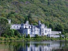 Kylemore Abbey, Connemara Ireland | Photo Courtesy: WikiCommons